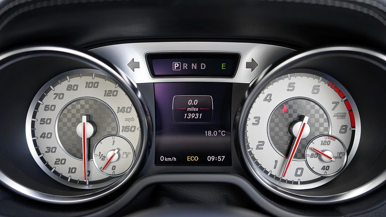 מד שעונים רכב