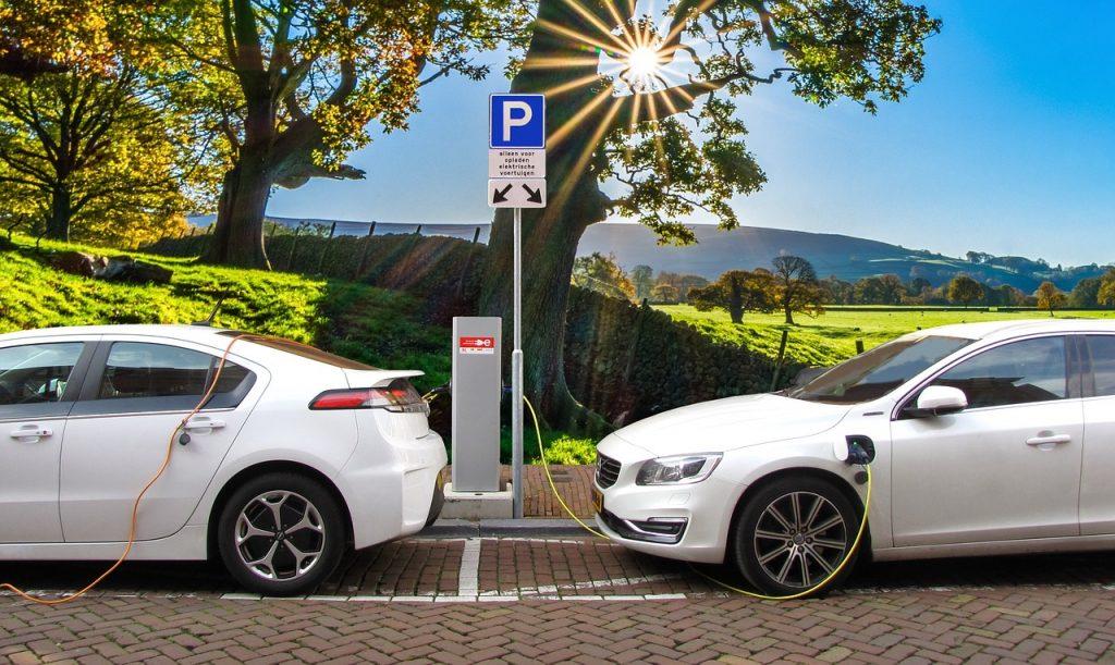 המהפכה החלה - עוברים לרכבים חשמליים עבור עתיד טוב יותר!