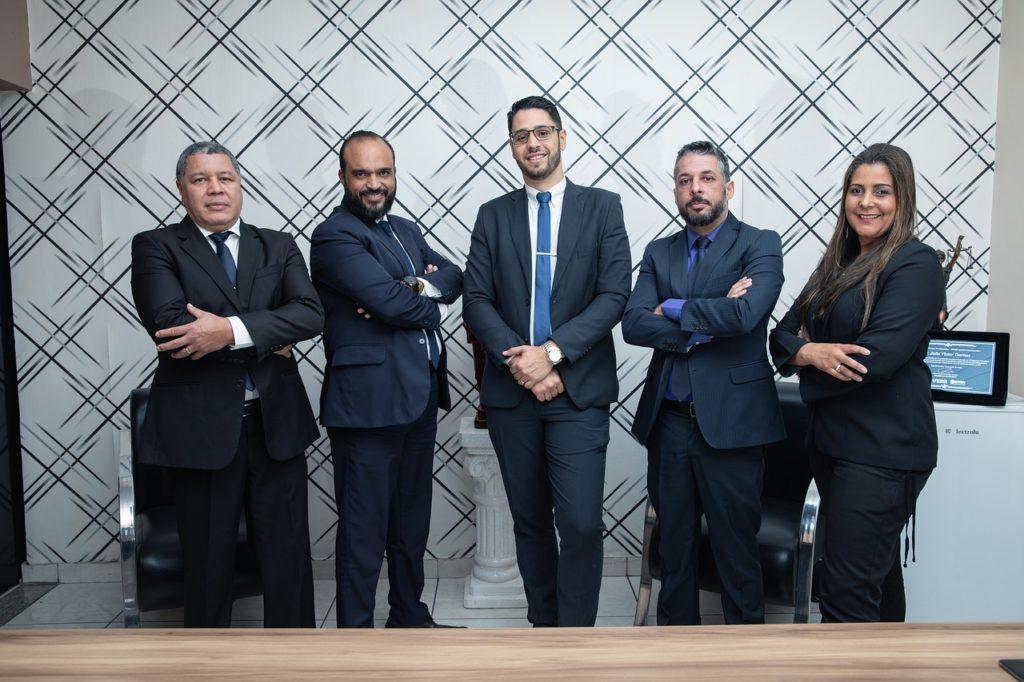 צוות עריכת דין